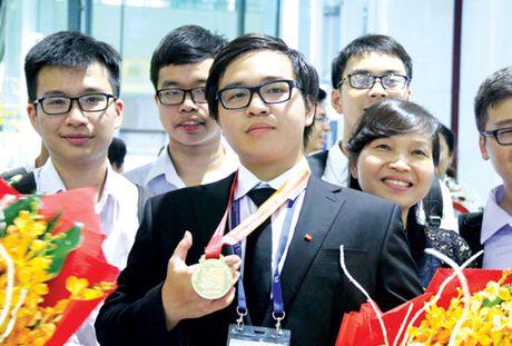 Mot gia dinh, 2 tam huy chuong Olympic Hoa hoc - Anh 1