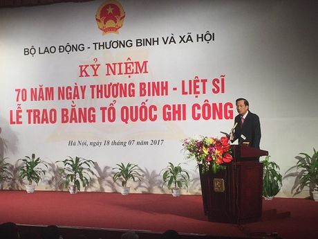 Trao Bang 'To quoc ghi cong' cho 498 liet sy - Anh 2