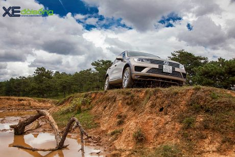 Danh gia SUV sang VW Touareg: kho co the che dang cap xe Duc! - Anh 10