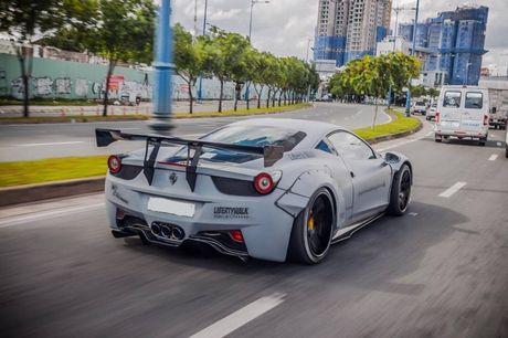 Sieu xe do Ferrari 458 Liberty Walk doc nhat Viet Nam khoe ao moi - Anh 5