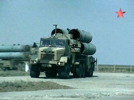 Nga tung sat thu S-300 toi Kaliningrad, NATO lo ngay ngay (video) - Anh 1