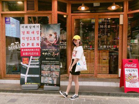 Quan thit nuong 'khong ngung hot' nho Song Joong Ki - Song Hye Kyo - Anh 13