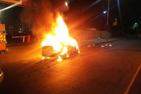 Phong hoa taxi Uber khien tai xe tu vong - Anh 1