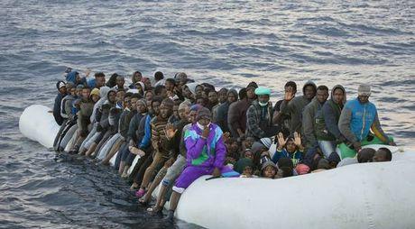 EU se manh tay voi nan buon nguoi o Libya - Anh 2