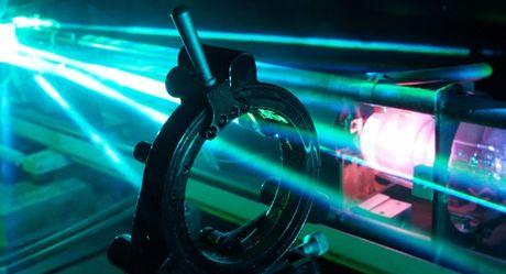 Nong: My tien hanh cuoc thu nghiem vu khi Laser o vung vinh Ba Tu - Anh 1