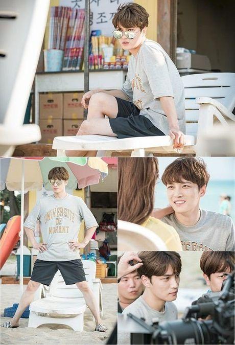 Soc: Jaejoong (JYJ) tu lay manh vo chai rach ngon tay trong khi dang quay bo phim moi - Anh 3