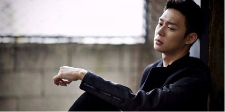 Park Yoochun lan dau viet tam thu day nuoc mat xin loi ve loat scandal dam cuoi - Anh 1