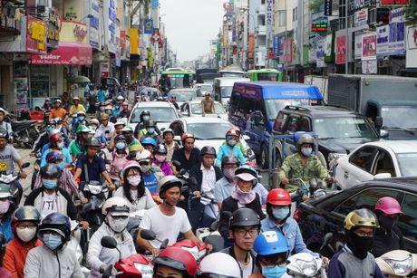 Chum anh: Giai cuu xe rac sup ho tu than o trung tam Sai Gon - Anh 4