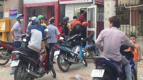 Chau chuc rut luong tu ATM - Anh 1