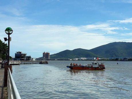 Nhay song Han cuu nguoi, nam thanh nien mat tich - Anh 1