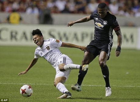 Soc:Trong tai doi duoi Valencia neu MU khong thay nguoi - Anh 1