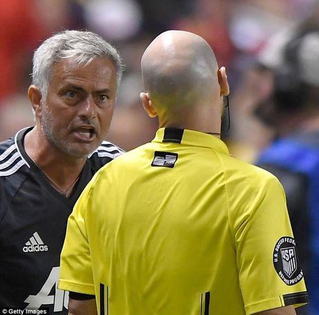 Soc:Trong tai doi duoi Valencia neu MU khong thay nguoi - Anh 2