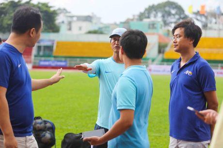 U-23 Han Quoc cu cai tren san Thong Nhat - Anh 1