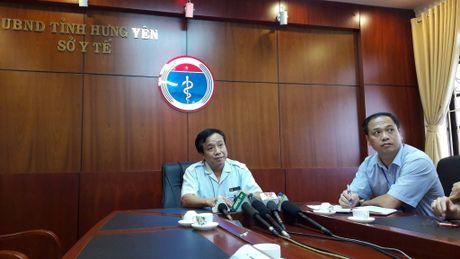 Phong kham nghi lay sui mao ga cho gan 40 tre hoat dong trai phep - Anh 1