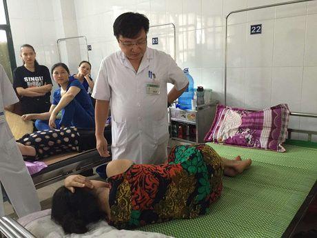 Vu co giao mam non bi liet nua nguoi: Loi khong phai do mui tiem - Anh 2