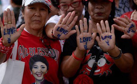 Xet xu Yingluck, phe quan doi Thai khong diet duoc nha Thaksin - Anh 3