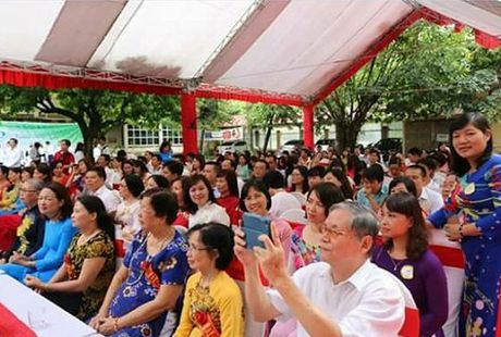 Net van hoa dep cua hoc sinh Truong THPT Son Tay - Anh 3