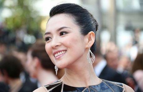 Muc cat-xe khung cua my nhan Hoa ngu Pham Bang Bang, Chu Tan, Trieu Le Dinh - Anh 3