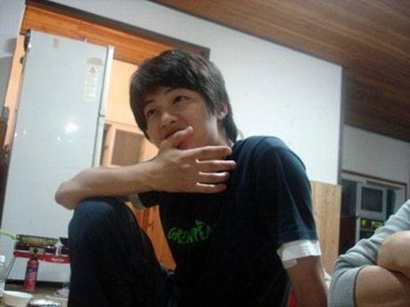 Lo anh Song Joong Ki 'hot boy' tu thoi sinh vien - Anh 3