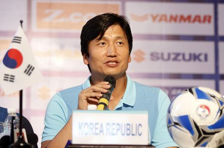 'Messi Han Quoc' khong sang Viet Nam vi ban tap trung cung Barcelona - Anh 1