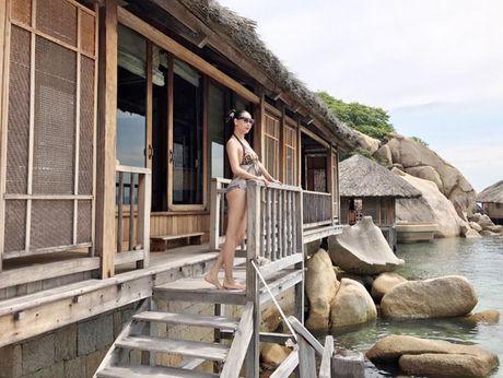 Hoa hau Ha Kieu Anh 41 tuoi van qua boc lua voi bikini - Anh 5