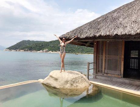 Hoa hau Ha Kieu Anh 41 tuoi van qua boc lua voi bikini - Anh 6
