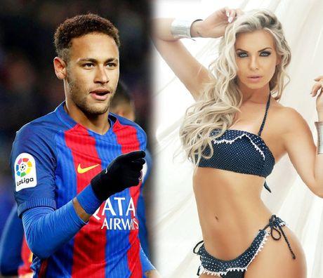 Chan dai tuyen bo tang Neymar 'mot dem', viet ten anh len nguc - Anh 1