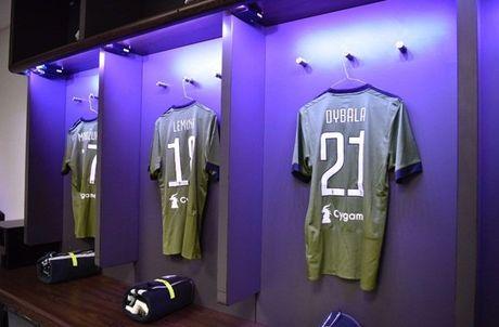 Sap dau Juventus, Dele Alli van cam cui vao man hinh dien thoai - Anh 5