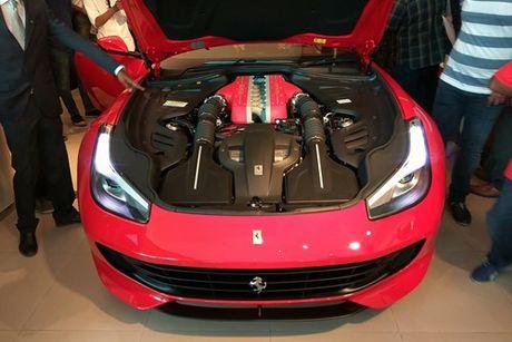 Sieu xe 4 cho Ferrari GTC4Lusso 'dat lop' toi An Do - Anh 10