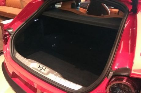 Sieu xe 4 cho Ferrari GTC4Lusso 'dat lop' toi An Do - Anh 12