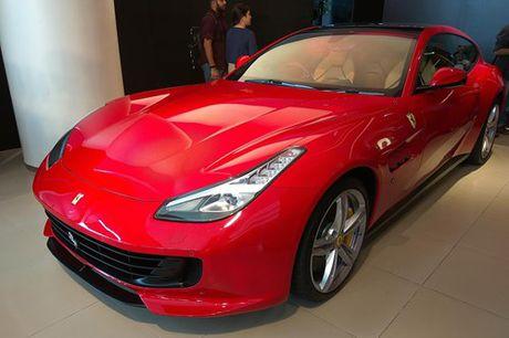Sieu xe 4 cho Ferrari GTC4Lusso 'dat lop' toi An Do - Anh 2