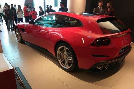 Sieu xe 4 cho Ferrari GTC4Lusso 'dat lop' toi An Do - Anh 4