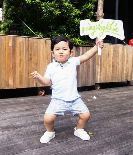 "Sao Viet 24h qua: Thao Trang ""xau la"" vua doi vuong mien vua cho con bu - Anh 9"