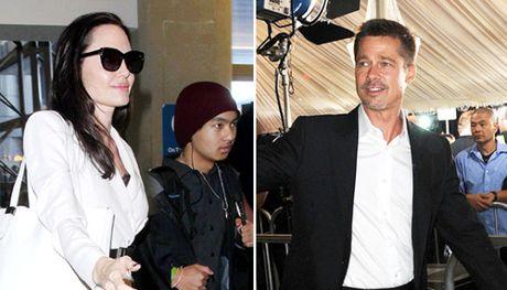 Brad Pitt buon ba khi Angelina Jolie khong moi toi du tiec sinh nhat cua cau ca Maddox - Anh 1