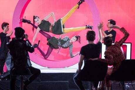 VNTM All Stars tap 7: Nha chung 'day song' khi Cha Mi len lam thu linh - Anh 11