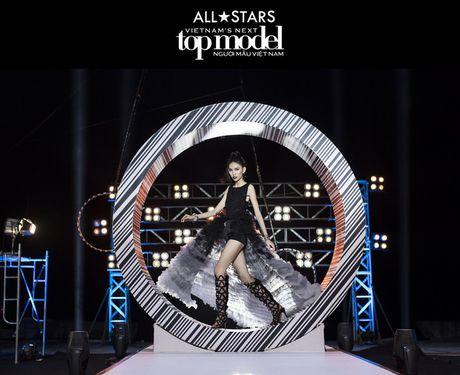 VNTM All Stars tap 7: Nha chung 'day song' khi Cha Mi len lam thu linh - Anh 9
