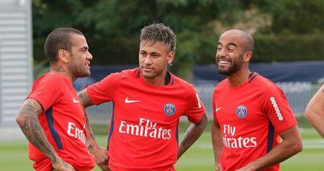 'Bom tan' Neymar - PSG: Choang voi tam sec 222 trieu euro - Anh 2