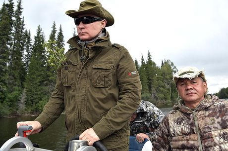 Tong thong Putin coi tran nghi mat tai Siberia - Anh 10