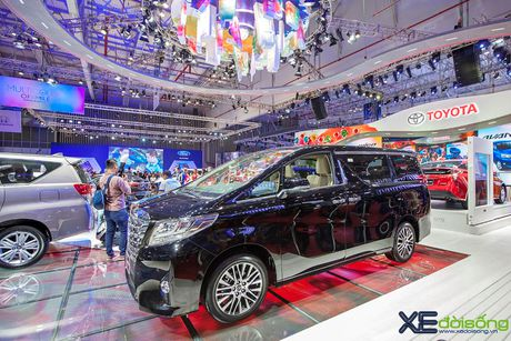 Toyota phat co 'khoi nghia' tai Vietnam Motor Show 2017 - Anh 12