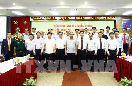 Thu tuong Nguyen Xuan Phuc: Xay dung PVN thanh tap doan lon phat trien ben vung - Anh 3