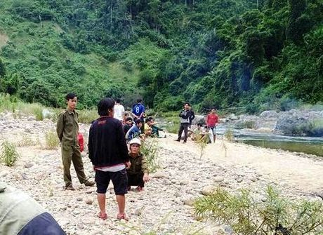 Mot thanh nien chet duoi thuong tam tren song Dac Rinh - Anh 1