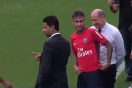 Buoi tap dau tien cua Neymar cung PSG - Anh 1