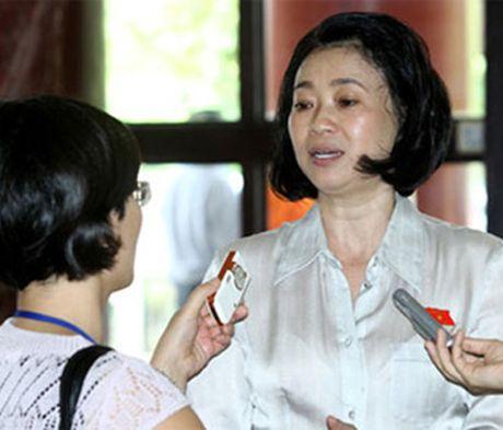 Ba Dang Thi Hoang Yen thay em trai dieu hanh Tan Tao - Anh 1