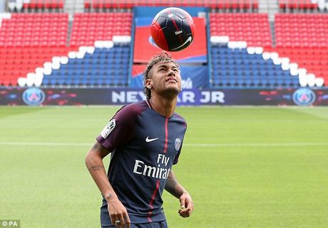 Neymar rang ro trong mau ao Paris SG - Anh 13