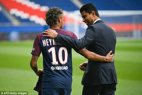 Neymar rang ro trong mau ao Paris SG - Anh 3