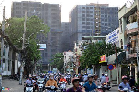 Khong cap phep xay cao oc o noi ket xe tai trung tam Sai Gon - Anh 1