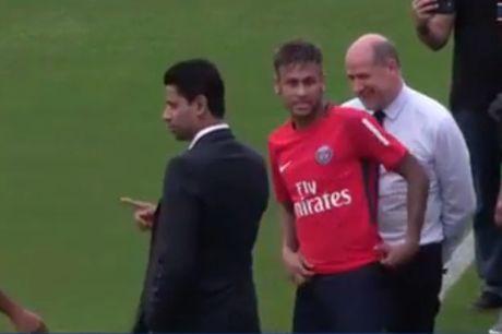 Neymar rang ro trong buoi tap dau tien cung PSG - Anh 1