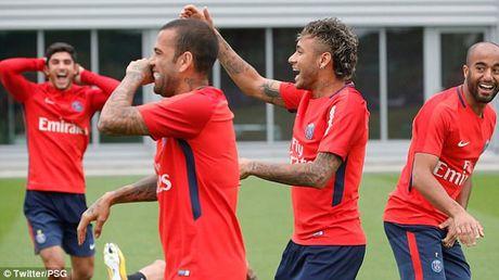 Neymar rang ro trong buoi tap dau tien cung PSG - Anh 5
