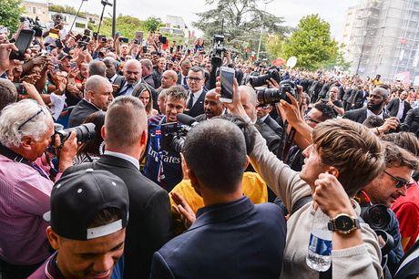 Neymar rang ro trong buoi tap dau tien cung PSG - Anh 6