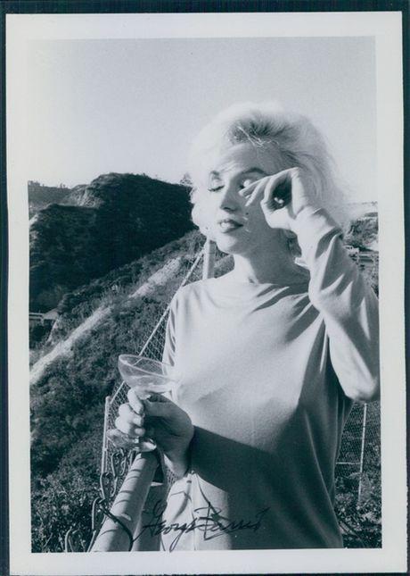 Tap chi Vanity Fair bi kien tien trieu USD vi dang anh Marilin Monroe truc loi - Anh 16